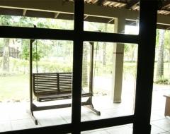 Interior da sala casa para 12 pessoas